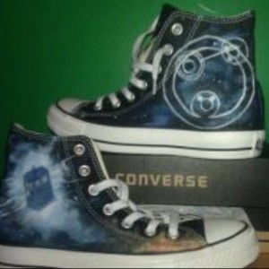 TARDIS, Doctor Who, Custom Converse, Time lord, Whovian, Fanart Sneakers