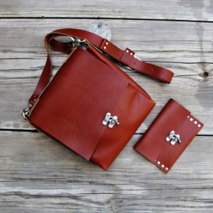 Italian Leather  Handmade Cross Body Bag with Matching Wallet. Hand Stitched. Leather Messenger Bag  Bret Cali Bag