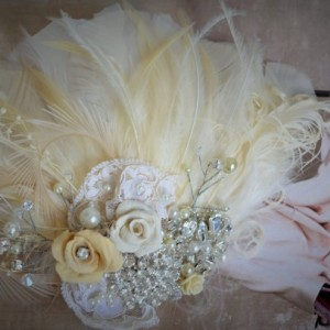 READY TO SHIP, Champagne and Ivory Fascinator, Champagne & Ivory feather hair clip, Flower, rhinestone, pearls, Lace, One of a Kind, bridal