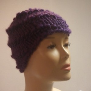 ONLY ONE Winter Knit Beanie in Plum Purple