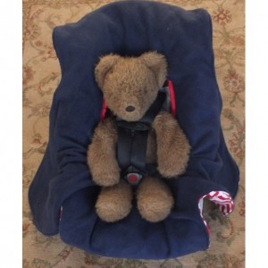 Car Seat and Stroller Blanket: Wraps Under Baby and Won't Fall Off