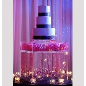 Acrylic/Lucite Cake Stand (Wedding Acrylic Furniture)