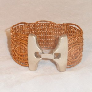 Brown Loop Braided Bracelet with a Butterfly Style Zamak Silver Plated Magnetic Clasp.