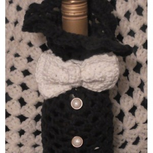 Tuxedo Wine Tote Bag with Bow Tie, Wine Tote Bag, Crocheted Gift Bag, Anniversary Gift, Housewarming Gift