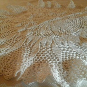 Large Petal Doily in White