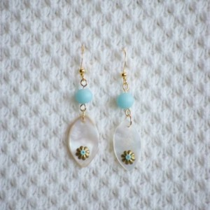 Seashell earrings with Turquoise light blue beaded earrings and gold flower accent