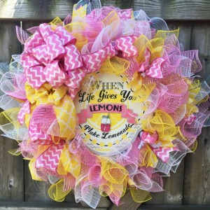 Love, life and lemonade wreath