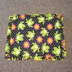 LAST CHANCE! Frogs and Flowers No Sew Fleece Baby Blanket
