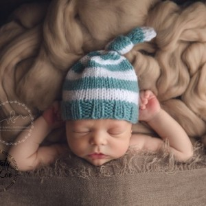 Knit Top Knot Hat | Newborn Size Only