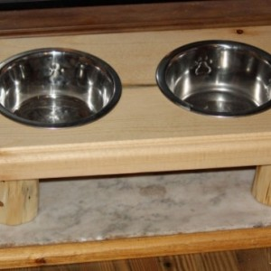 Large Elevated Rustic Log Pet Diner / Feeder / Dishes With Metal Bowls -FREE SHIPPING