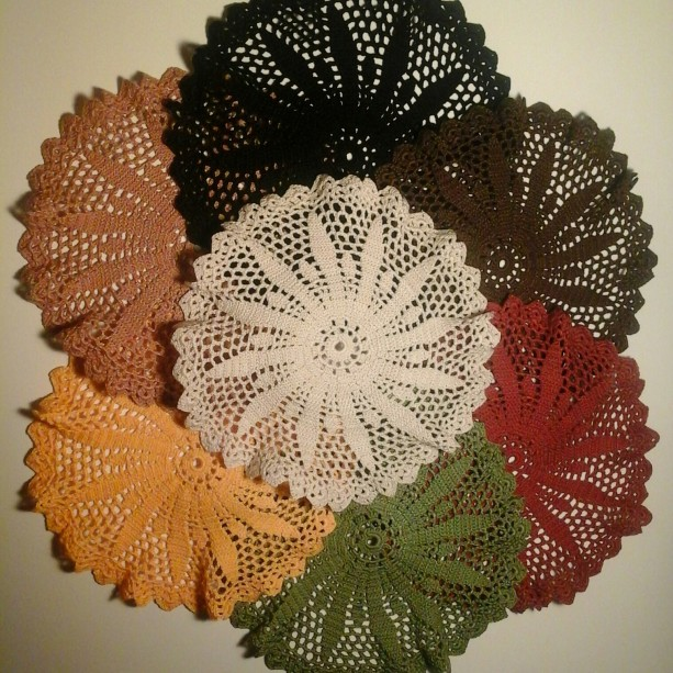 Medium Petal Doily in 9 Classic Colors