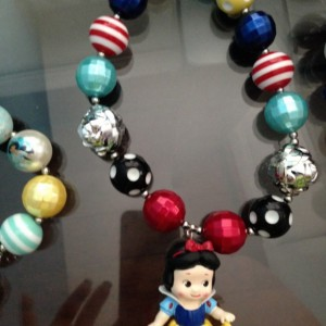 Snow White chunky necklace
