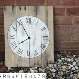 Rectangular Pallet Wood Clock.  Reclaimed Wood.  Round Face.  Roman Numerals.  Natural.  Simple.  Hip.  Eco-Friendly