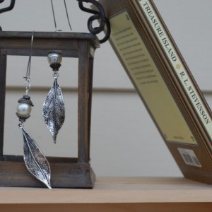 Sophisticated Long Leaf Dangle Earrings with Pearl Beads and Silver Caps