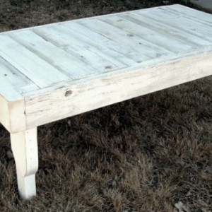 Reclaimed Wood Coffee Table in Antique White with Removable Legs