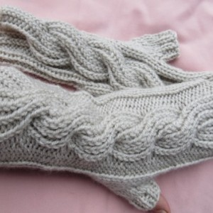fingerless gloves, braid, medium, light gray,