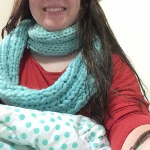 Chunky knitted cowl/infinity scarf