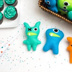Set of 3 Adopt a monster plush. Mini stuffed monster party favors. Felt Monsters. Little monster theme party. Adopt a Monster party