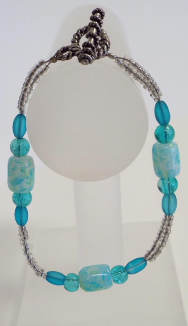 Blue and White Barrel Beads, Blue crackle glass , blue rice glass beads and clear seed beaded bracelet