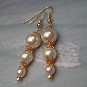 White Pearl Earrings Ocean Beach Bridal White Pearl Earrings Seaside Seashore Wedding Pearl Crystal Gold Earrings Bridal Gift