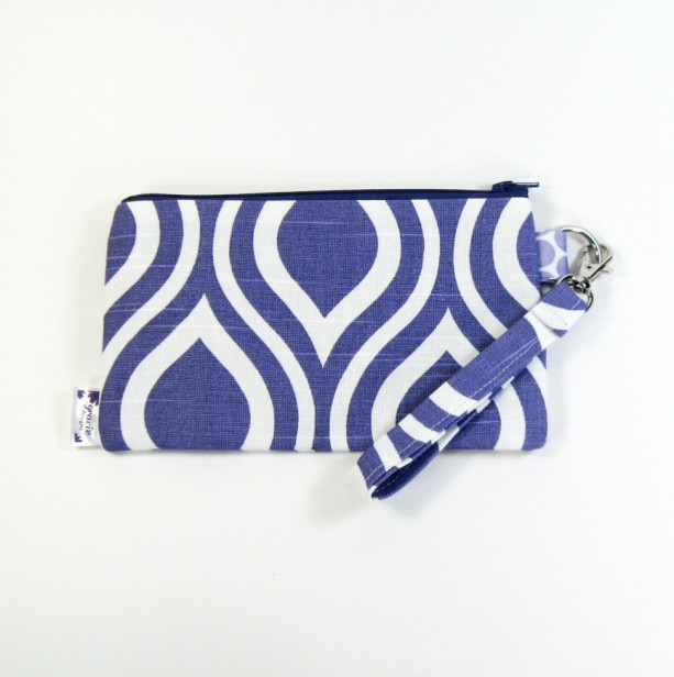 Medium Wristlet Zipper Pouch Clutch - Purple Mod