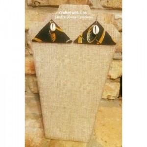 African Prints, Cowrie Earrings, Ankara Earrings, Cowrie Shell Earrings, Beaded Shell Earrings, Beaded Fabric Jewelry, Shell Earrings, Cowry