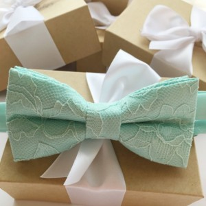 Mint Green Lace Bow Tie - Mint Men's Bow Tie - Groom Bow Tie - Bridal Party Bow Tie - Mint Baby Bow Tie -Groomsmen Bow Tie