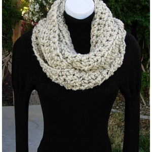 INFINITY SCARF Loop Cowl Oatmeal Beige Light Brown Tweed, Color Options, Crochet Knit, Thick Soft Wool Blend Winter Circle Wrap..Ready to Ship in 3 Days