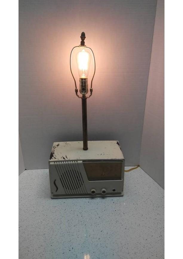 Vintage Radio Lamp/ Table Lamp/ Desk Lamp
