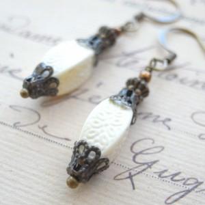 Handmade Earrings White Cream Color Vintage Beads,Looks Like Lantern Antique Style Vintage Retro Boho Shabby Natural Gold