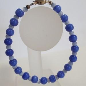Cornflower Blue and light Blue Cat's Eye Glass Bead Bracelet
