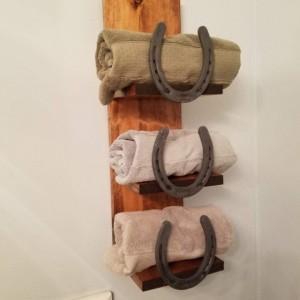 Rustic Horseshoe Bathroom Decor Set, Towel Rack, Shelf & Toilet Paper Holder
