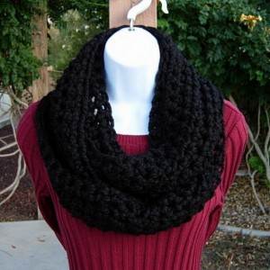 INFINITY SCARF Loop Cowl, Solid Black, Bulky Soft Wool Blend, Handmade Crochet Knit Winter Circle Endless Scarf, Neck Warmer..Ready to Ship in 2 Days