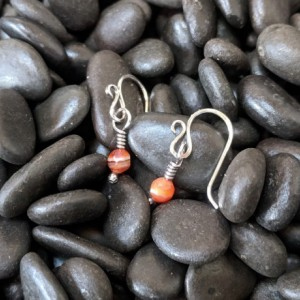 Simplistic earrings - autumn earrings - small carnelian - fall earrings - dainty drop earrings - minimalist earrings - tiny drops