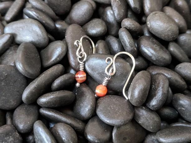 Simplistic earrings - autumn earrings - small carnelian - fall earrings - dainty drop earrings - minimalist earrings - tiny drops