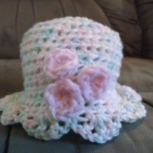 Scalloped Baby Hat with matching MaryJane Slippers