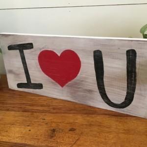 I Heart U sign
