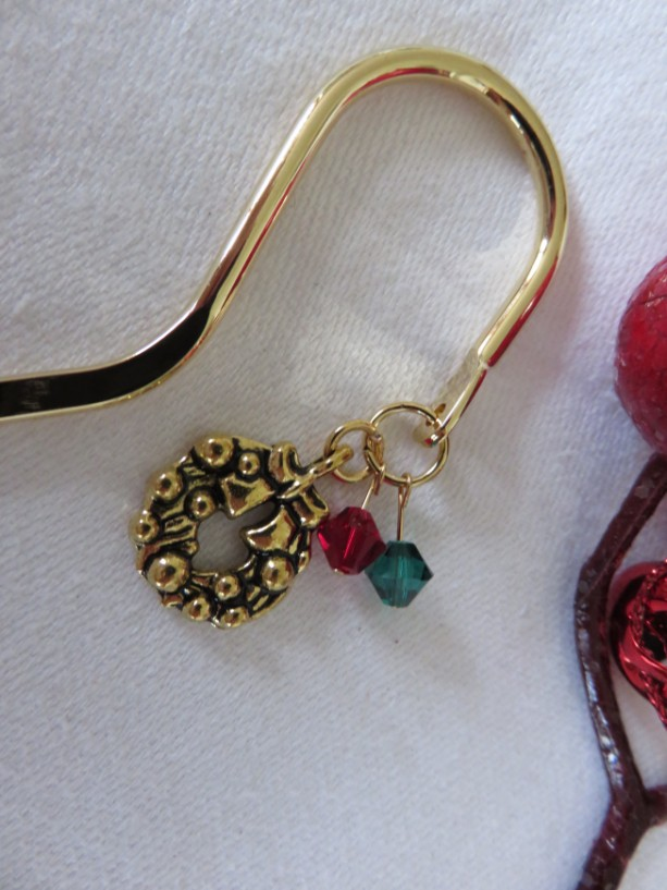 """Brass"" Christmas bookmark with wreath"