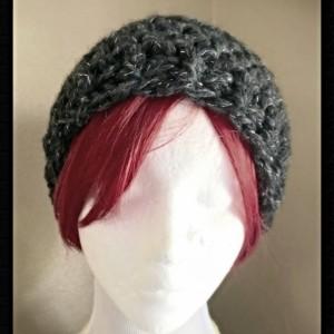 Messy bun hat / ponytail hat / winter hat