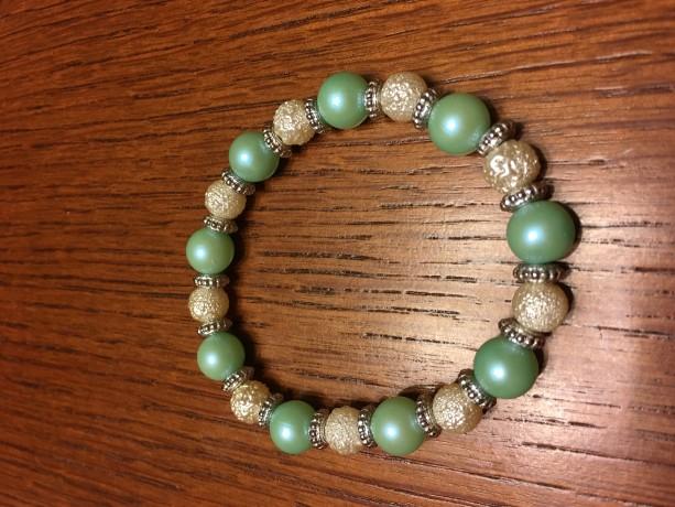 White/Mint Green Acrylic Bead Elastic Bracelet