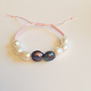 Freshwater pearl adjustable bracelet