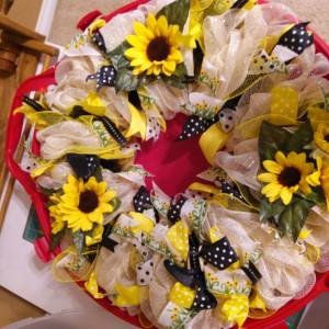 Deco mesh wreath - Sunflower