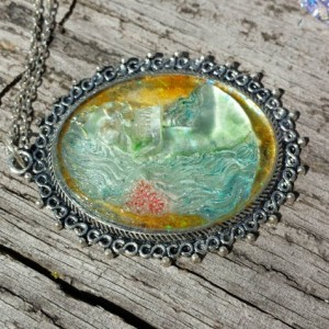 Skull Cameo Resin Pendant  Necklace  Glow In The Dark