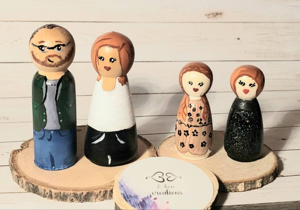 Custom Family peg doll, custom mother day's gift, personalized gift for Mom, wooden people, doll house figures, gift for anniversary,