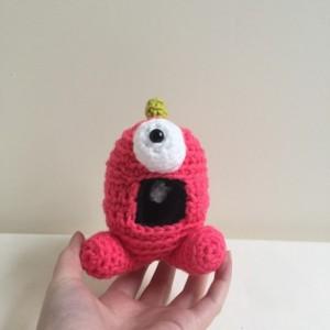 Susie Q, dinosaur, dinosaur monster, monster, amigurumi monster, crochet monster, pink monster, girl, handmade, crochet dinosaur, kawaii