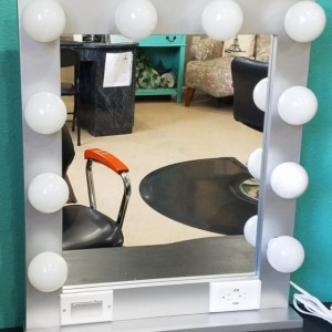 SILVER 24 x 28 Lighted Hollywood style Glamour vanity mirror