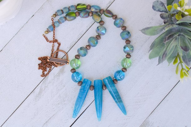Blue Agate Gemstone Necklace, Crackled Aqua Gemstone Necklace, Blue and Green Glass Bead Necklace, Crystal Round Beads