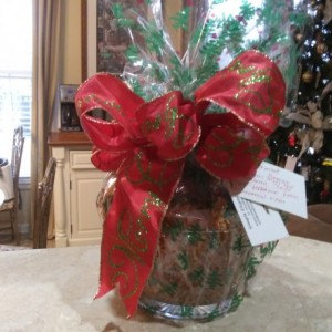Hollyberry and peppermint gift basket
