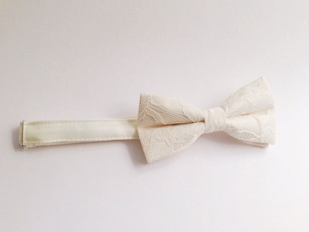 9c3e19326902 ... Ivory Bow Tie - Ivory Lace Bow Tie Wedding Bow Tie Groom Bow Tie Bridal  bow ...