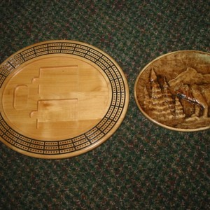 Bear Scene 3 track oval cribbage board with storage